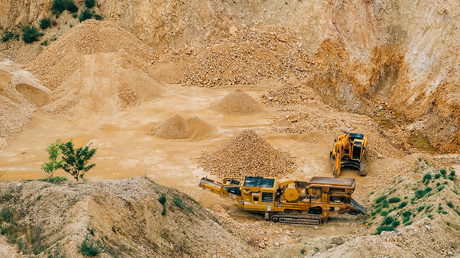 VEC pens agreement with SOKIMO on multi-million ounce gold projects